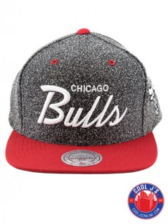 MITCHELL & NESS CHICAGO BULLS STATIC SNAP BACK at Cool J's in Miami
